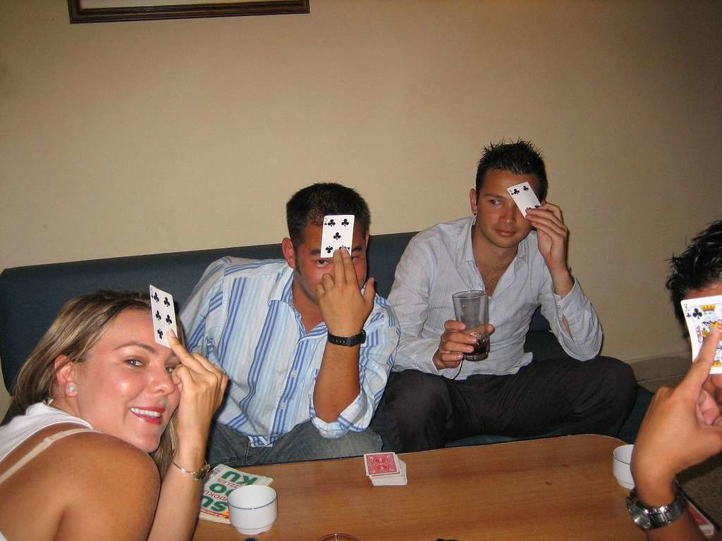 Indian Poker - drinking card games